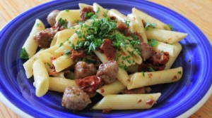 Sundied Tomato and Sausage Pasta_cyclo